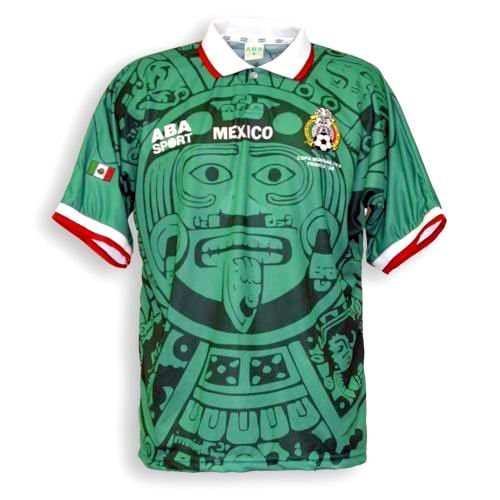 Camiseta seleccion mexicana - Esta es la que considero la mejor camiseta  que ha tenido la selección mexicana. Notese el genial estampado del  calendario ... e633d42e8