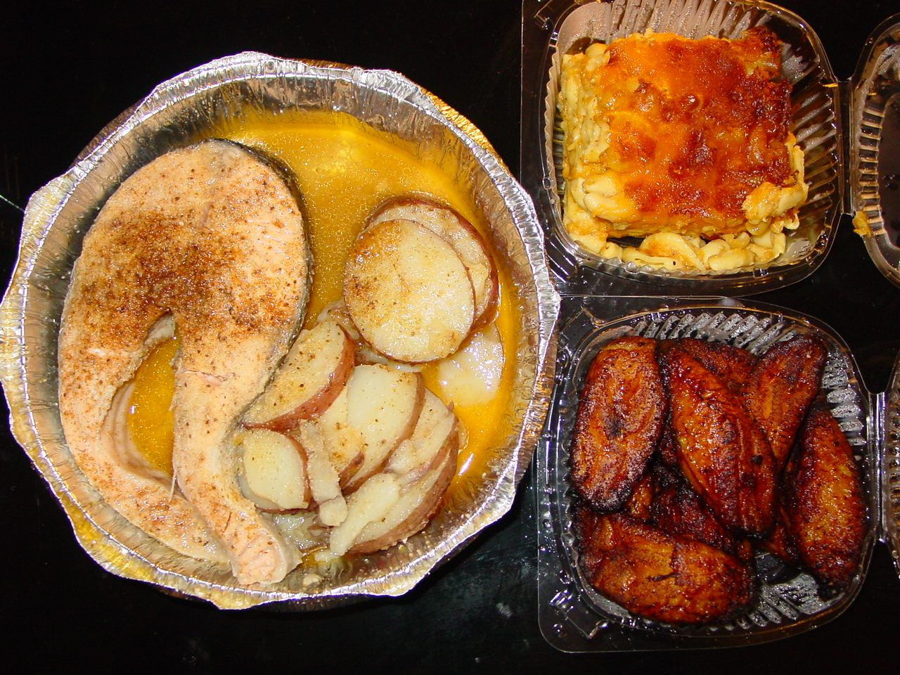 http://www.cheavor.me/wp-content/gallery/steamed-salmon-steak/dsc01367.jpg << Steamed Salmon Steak, Steamed Potatoes, Macaroni & Cheese, and Sweet Plantain.
