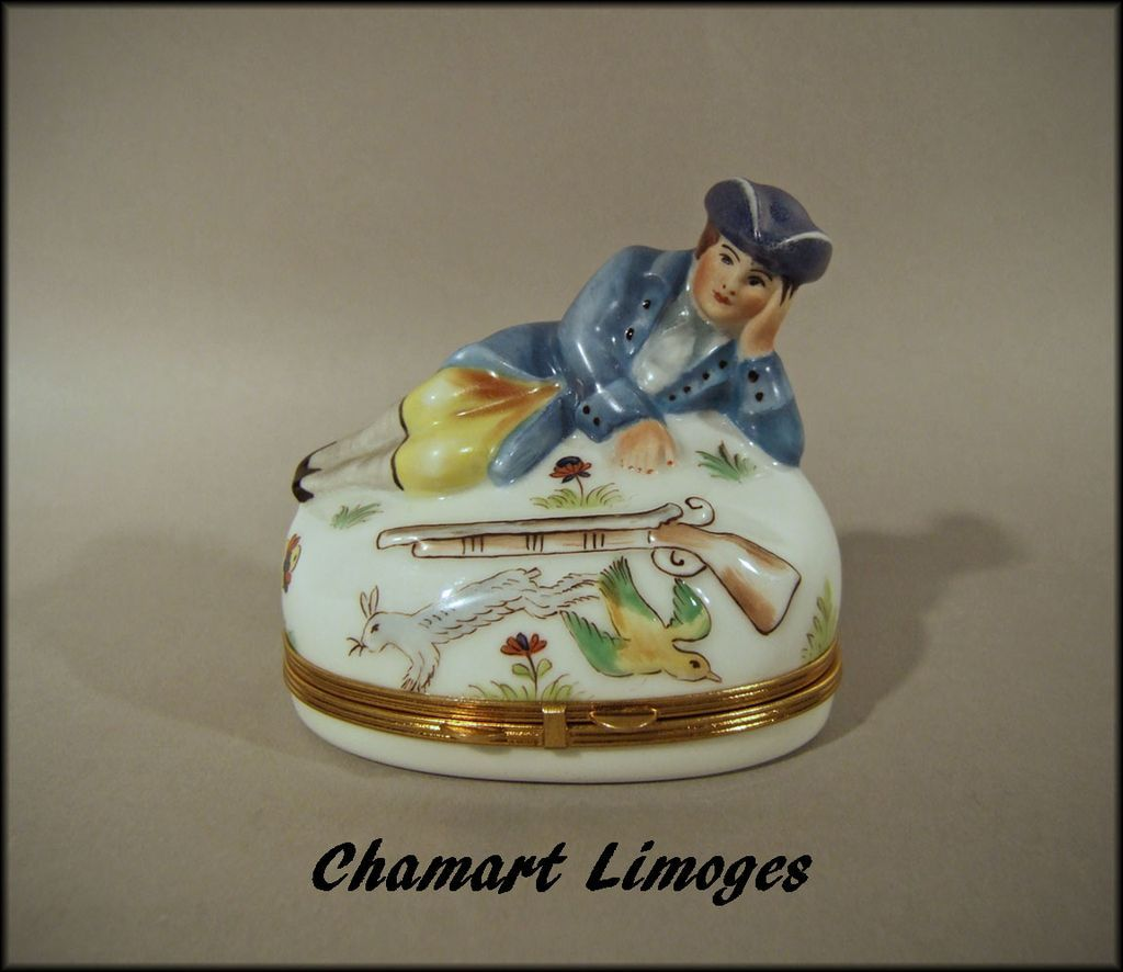 Chamart Limoges France Porcelain Box with Hunter Gun and Game Peint