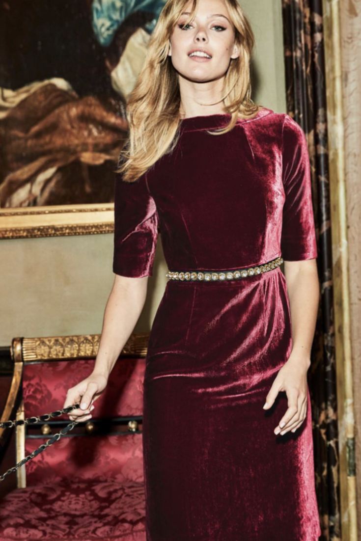4195e4a3144a Perfect dress for a Christmas party! | women's dresses | #velvet |  #partydress | #holidaydress | #holiday party dress | dresses for women |  #burgundy dress ...