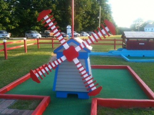 miniature golf windmill | Mini Golf Windmill  like the colors.   It's the 100th anniversary in the USA so perhaps Red/White/Blue should be integrated.   Plus blue is my favorite ball color.