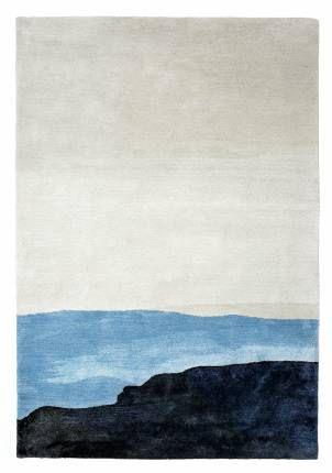 """Mattias Stenbergs nya mattor för Asplund ser ut som akvareller och kan lika väl hängas på väggen. """"Horizon"""" finns i flera utföranden, denna i den nya blå färgen, som blå skuggor av smältande is i ett nordiskt vinterlandskap."""