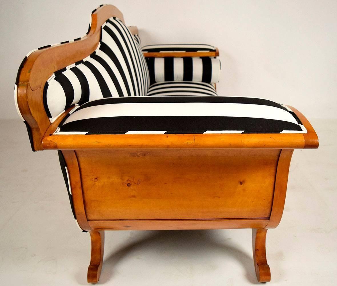 Pleasing Pin By Earthly Possessions Design Studio On Biedermeier Machost Co Dining Chair Design Ideas Machostcouk