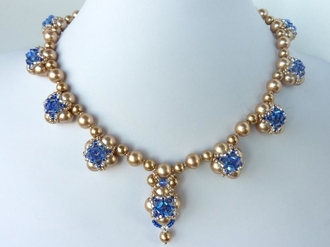 FREE beading pattern for elegant evening necklace with stunning ...