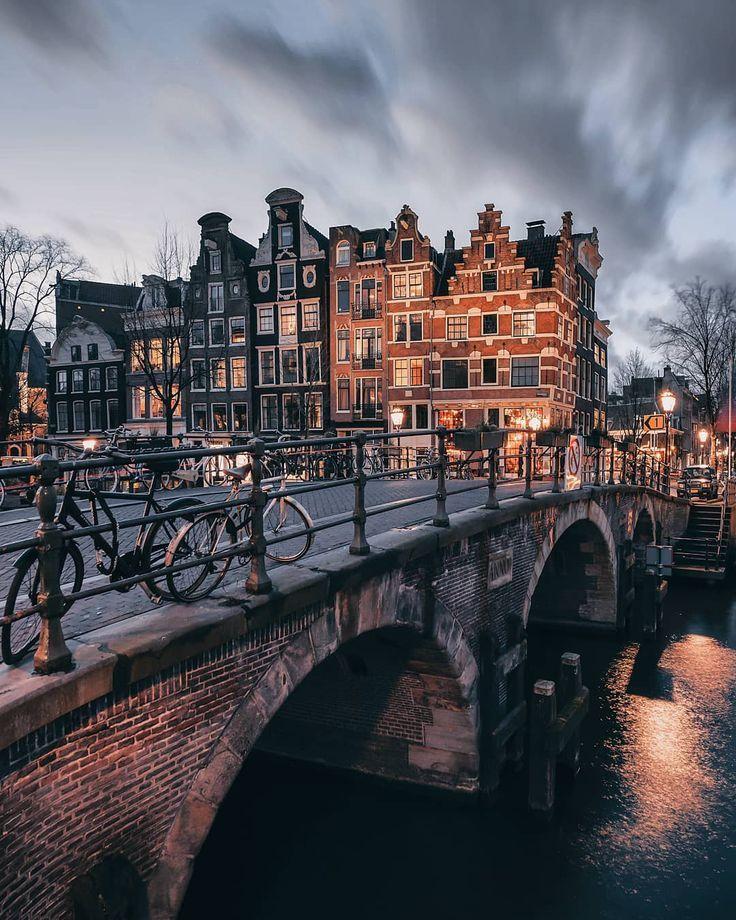 Sehen Sie Amsterdamer Grachten, die unheimlich ruhig aussehen #newyearsresolutions
