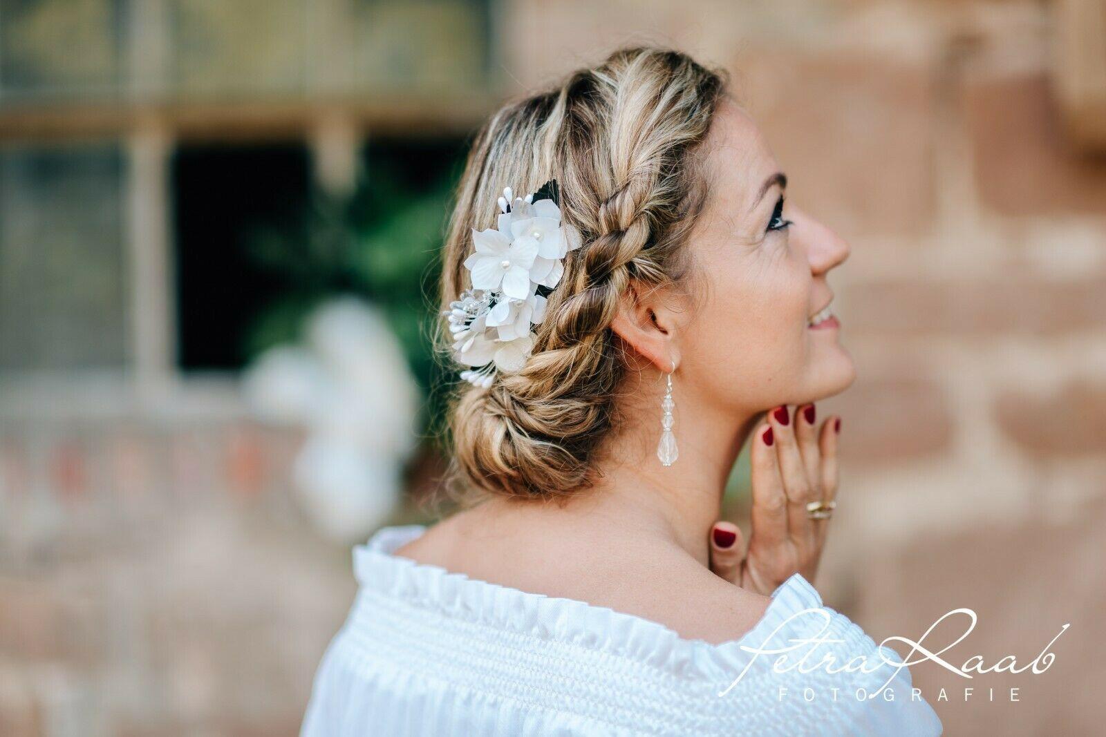 R16 Haarschmuck Haarkamm Bluten Blumen Pfingstrosen Oktoberfest Braut Hochzeit In 2020 Brautfrisur Braut Haarschmuck