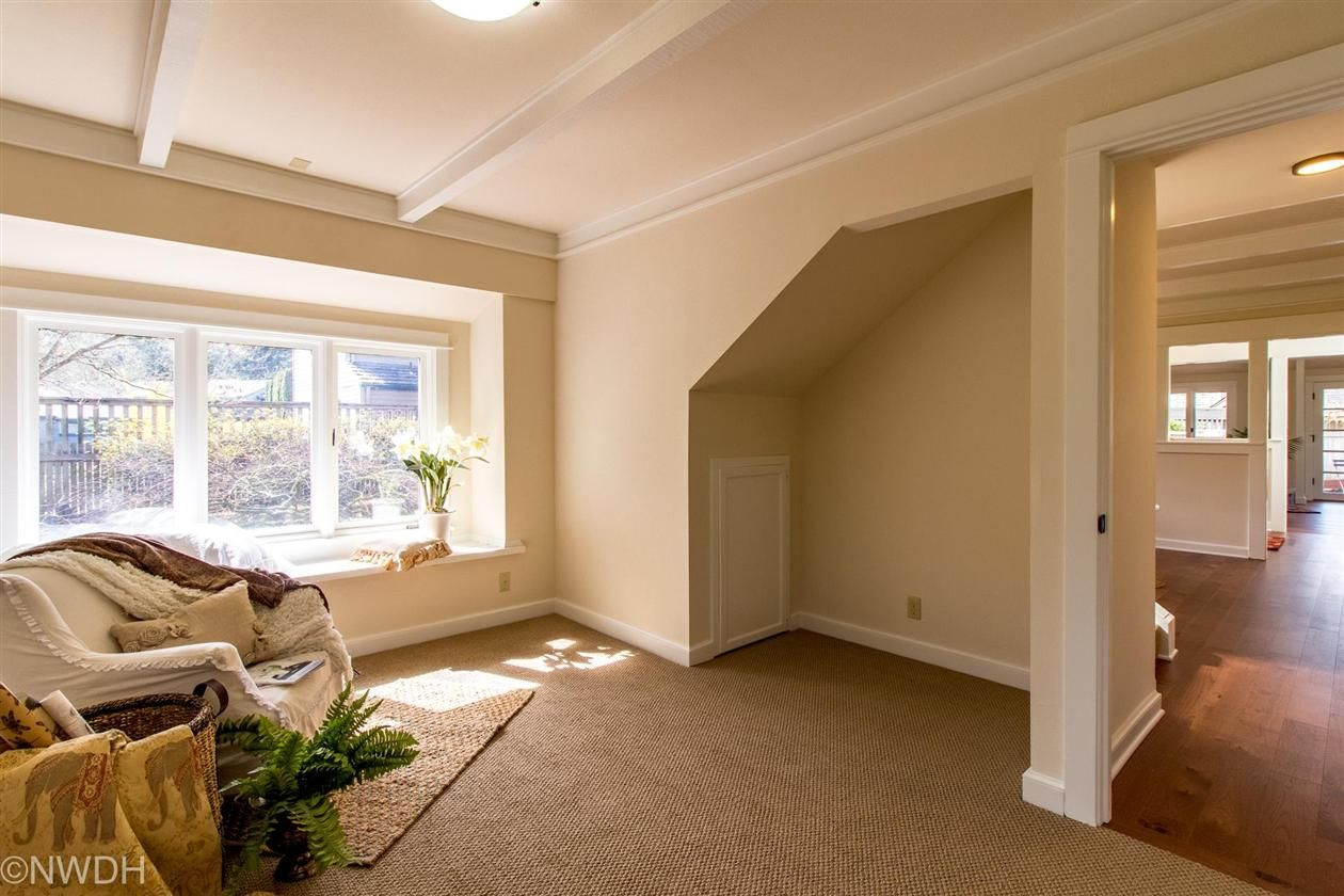 3 window bedroom  beautiful bungalow remodeled by jack adkins highly desirable ferry