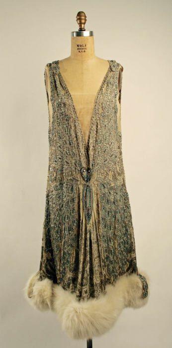 1920s dress with fur