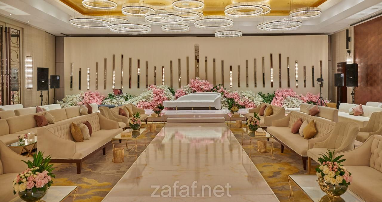 فندق حياة ريجنسي رياض العليا الفنادق الرياض Table Decorations Decor Home Decor