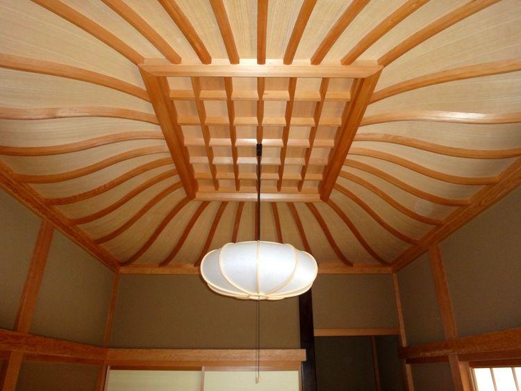 熊木銘木 Ex 01 富山 K K邸 6帖の和室の唐傘天井です 天井棹は桧
