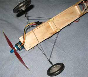 Foamflyer's RC Airplanes Make Strong Lightweight Landing Gear | Neat
