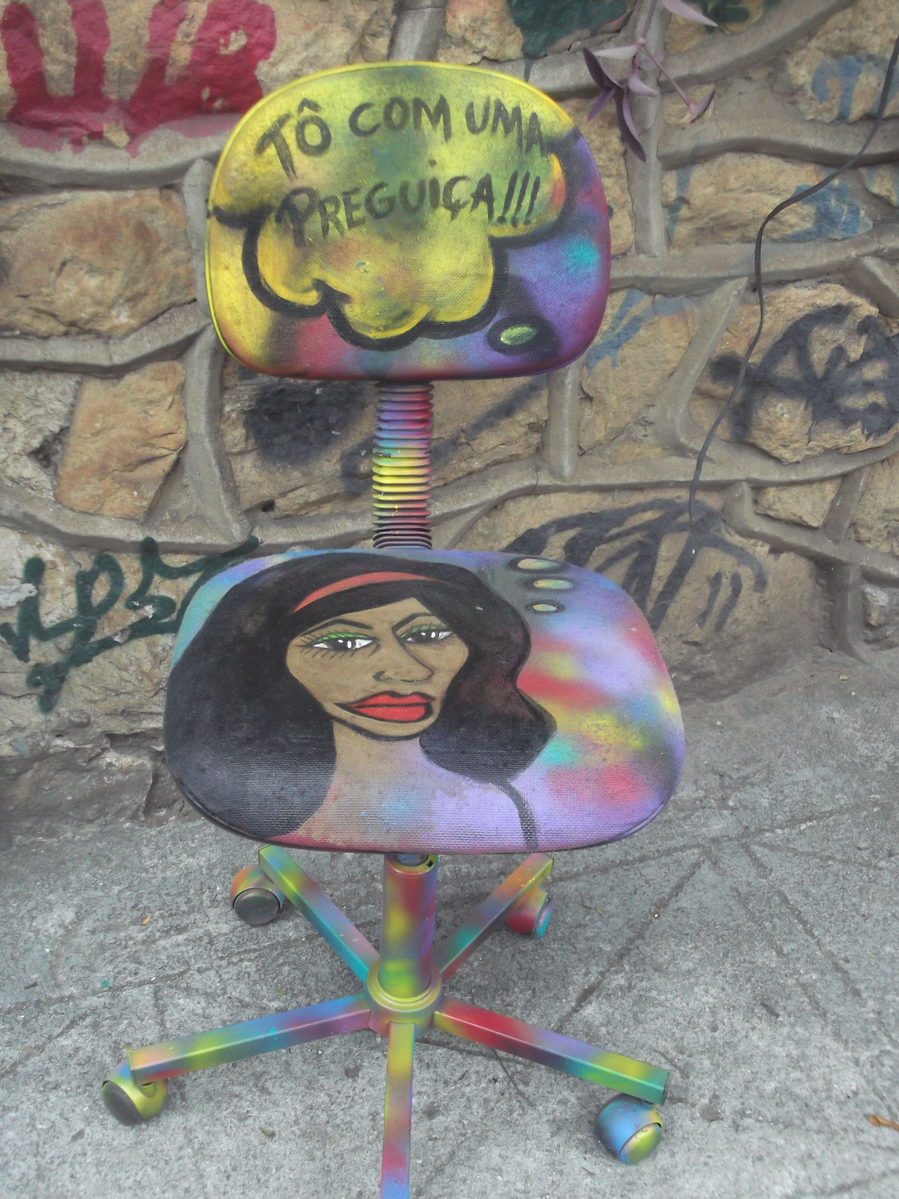 Cadeira pintada por BiancaBranco