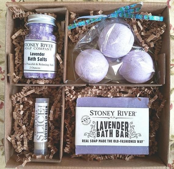SPA GIFT SET Gift Boxbirthday For Mom Bridesmaidgirlfriend Bath Bombs Natural Soap Lip
