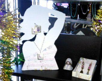 Custom Paper Jewelry Displays
