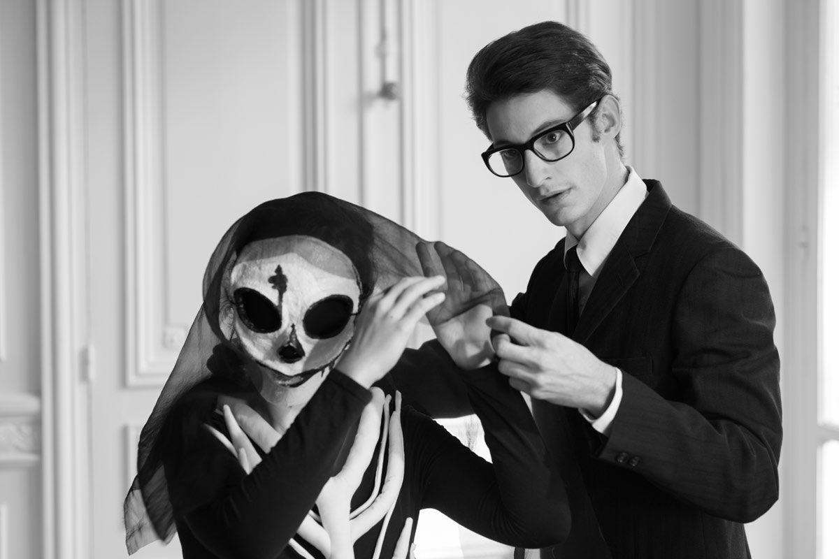 Pierre Niney nei panni di Yves Saint Laurent nell omonimo film di Jalil  Lespert fcef0115392