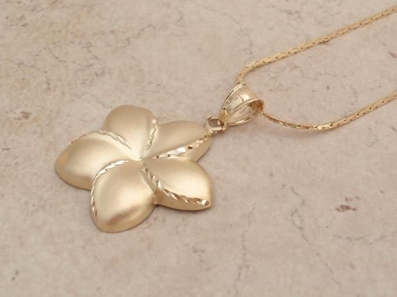 5f65ad10159a2a Plumeria Pendant Necklace 14K Yellow Gold Tropical Hawaii Vintage