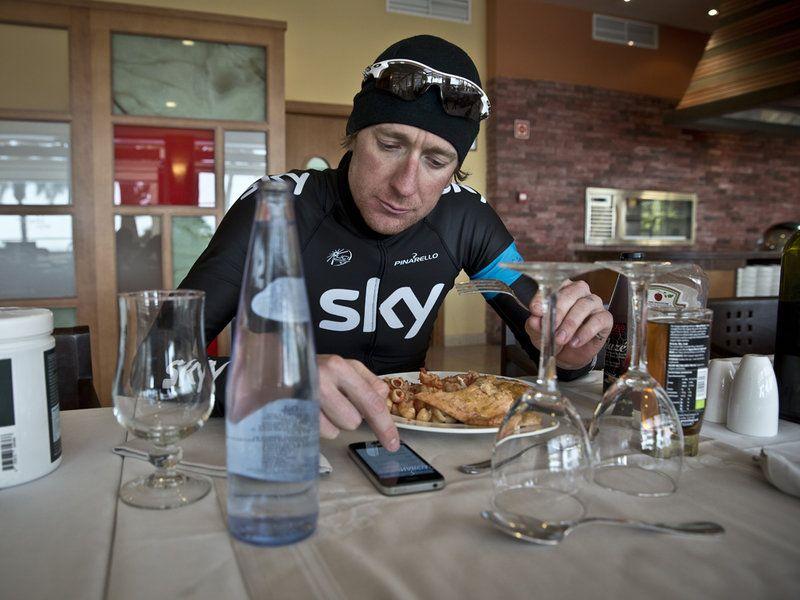 Team Sky   Pro Cycling   Flash Latest   Scott Mitchell - Sir Bradley Wiggins