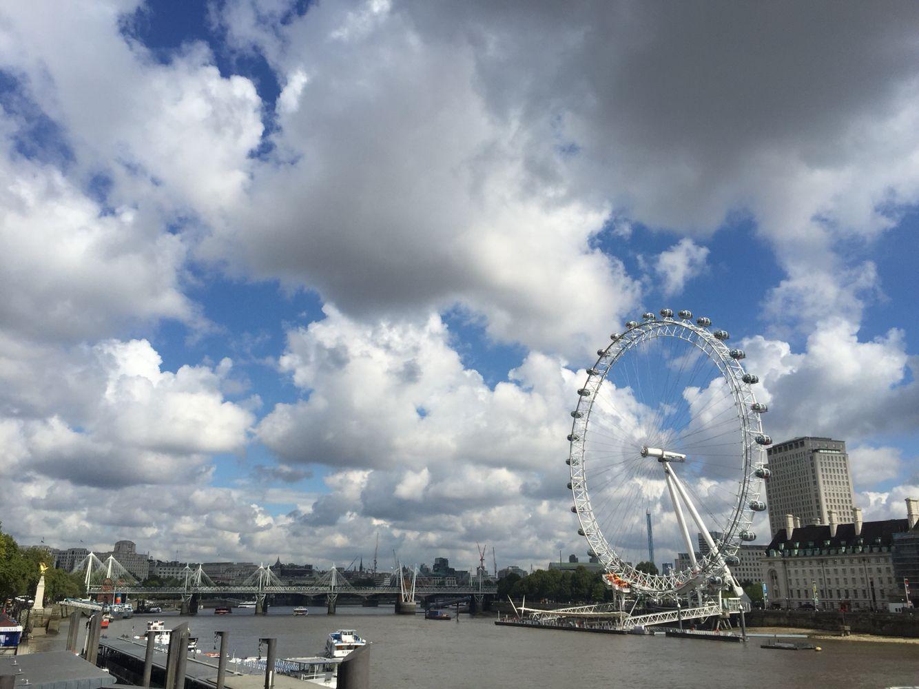 런던아이 와이프가 노래를 부르던 ...ㅋ
