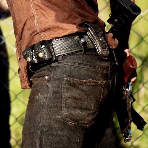 Traje obrigatório de Rick Grimes: Colt Python - 347 Magnum  / Mandatory costume Rick Grimes: Colt Python - 347 Magnum (S4)