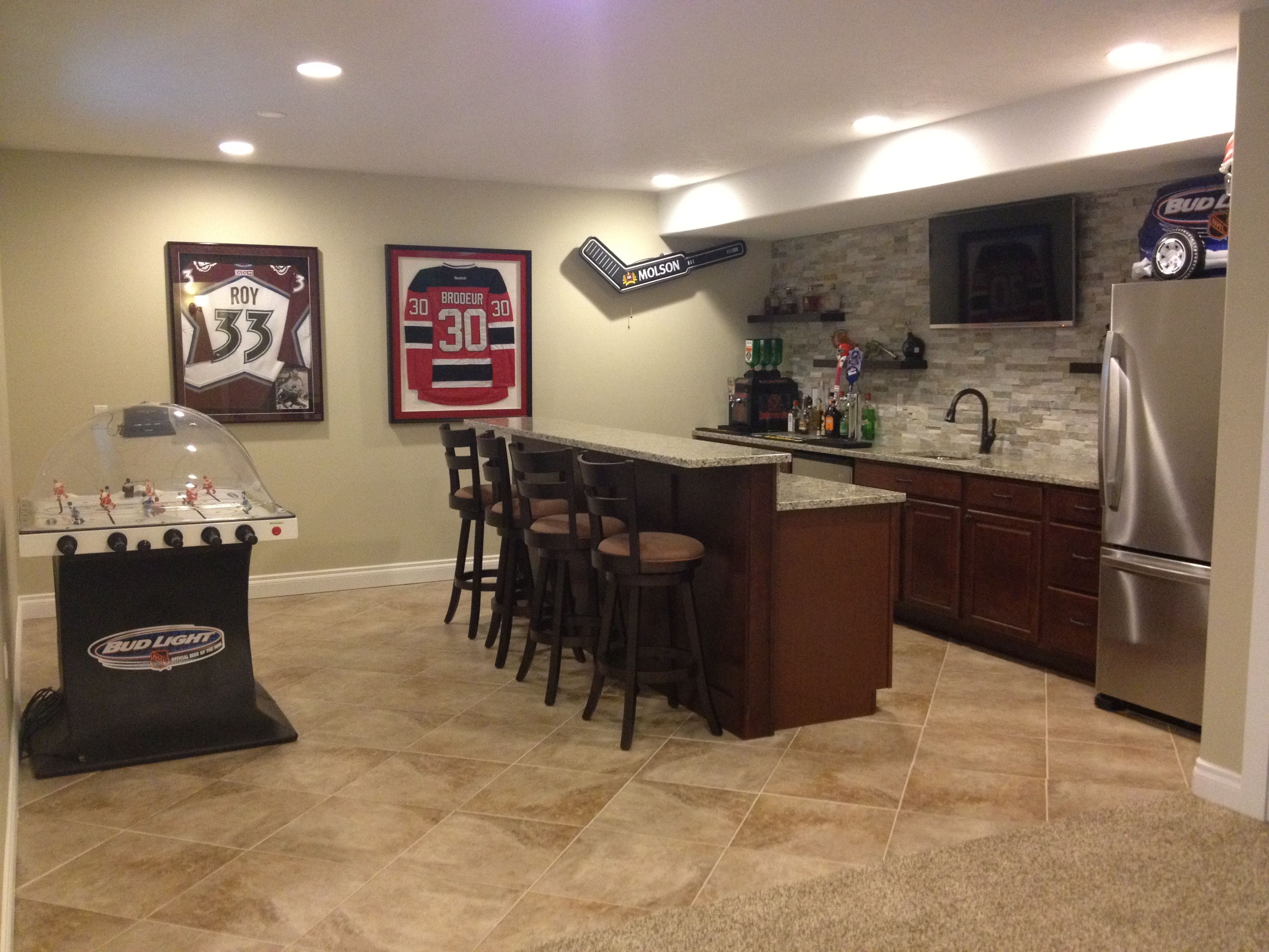 Hockey man cave and bar man cave Pinterest