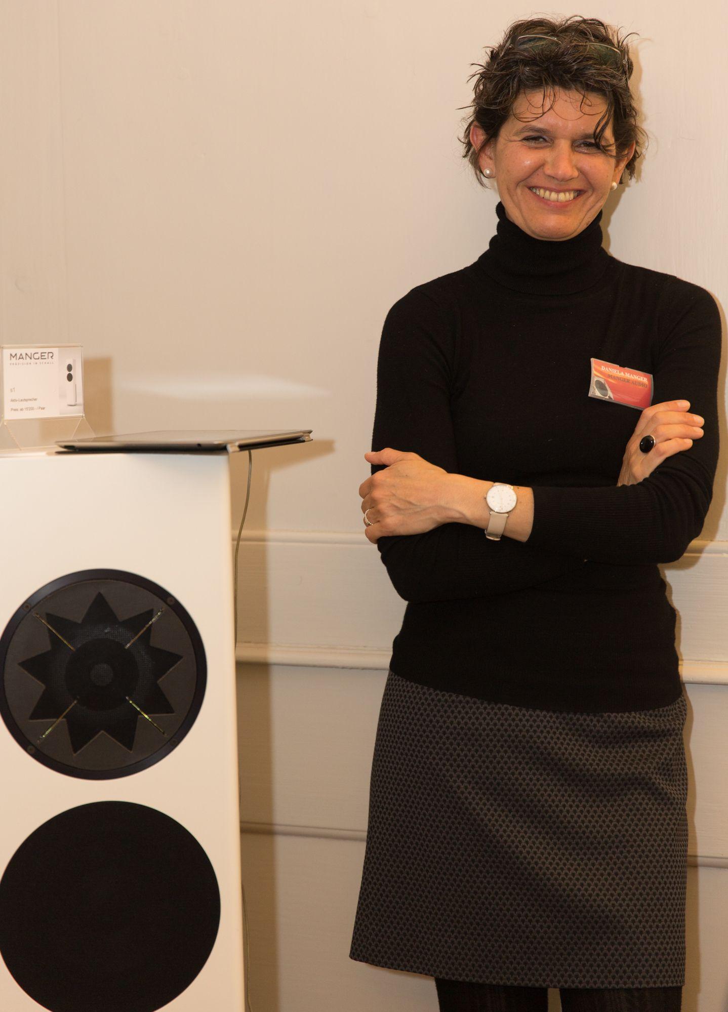 Manger Lautsprecher daniela manger beside one of his loudspeaker models p1