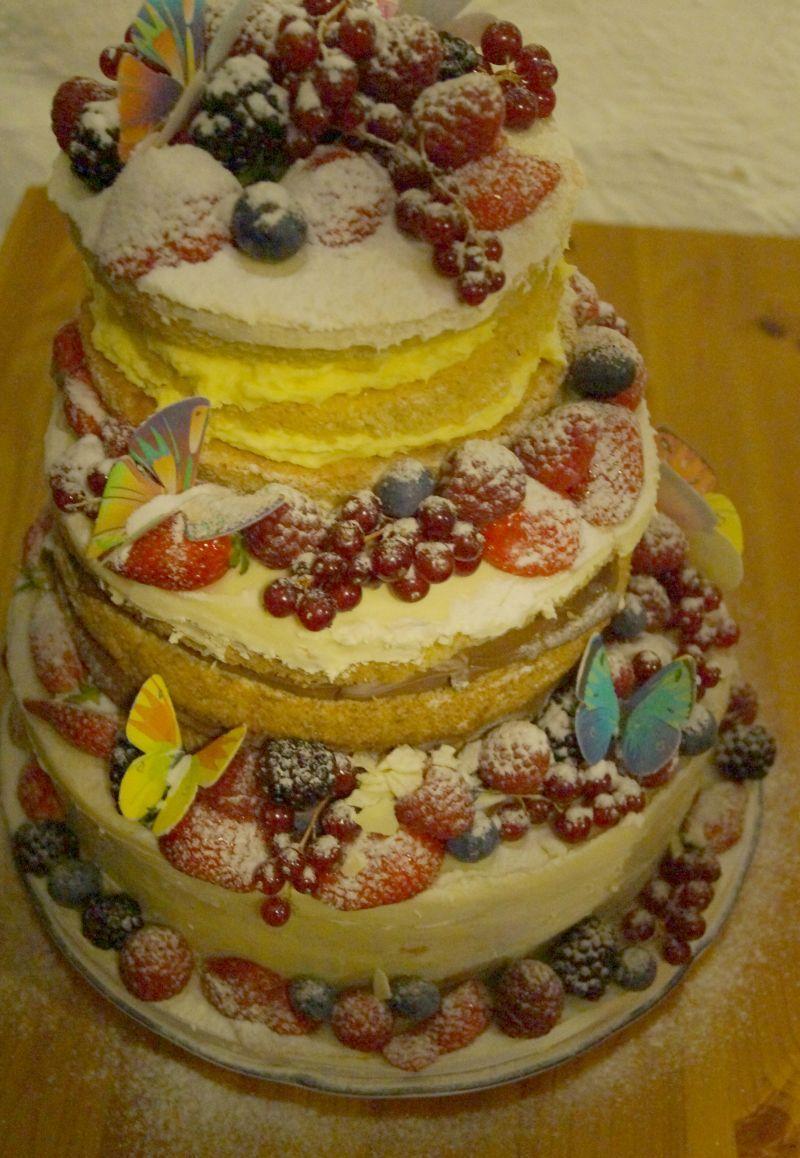 Hochzeitstorte Ohne Fondant Und Mit Vielen Fruchten Naked Cake