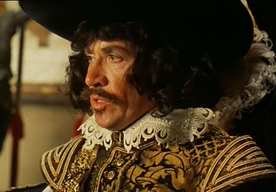 Frank Finlay as Porthos