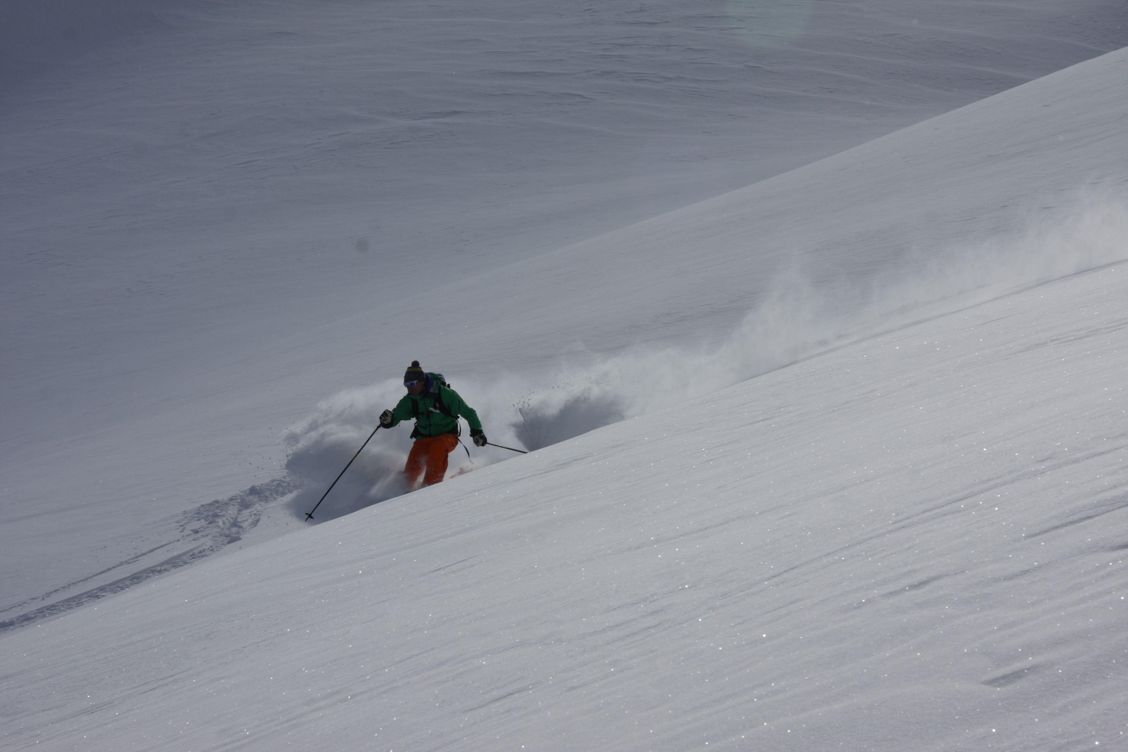 Skitour in den Dolomiten, Marmolada Gletscher.
