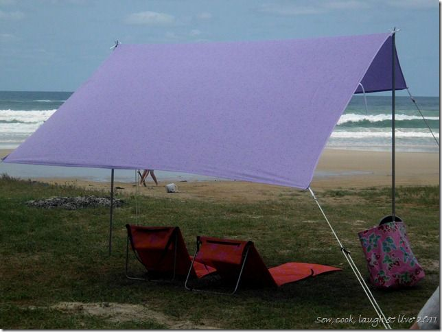 Portable Sunshade DIY - like the  Sombrilla  but ... : beach tent diy - memphite.com