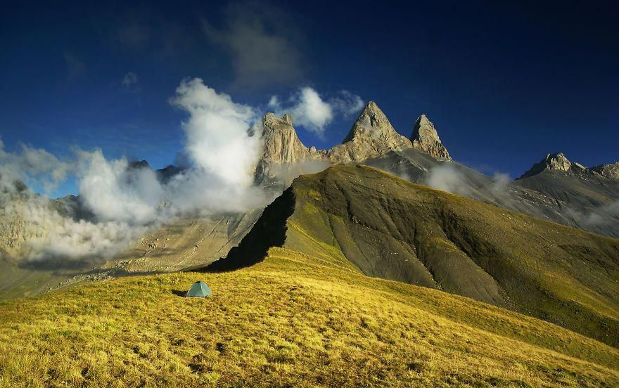I Am A Mountain Photographer And I Spent 6 Years Photographing My Tent In The Mountains | Bored Panda