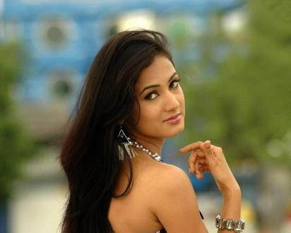 Sonal Chauhan Wallpapers Sonal Chauhan Hd Wallpapers Download