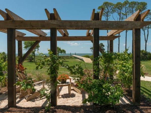garten pergola aus holz mit kletterpflanzen Garten Pinterest