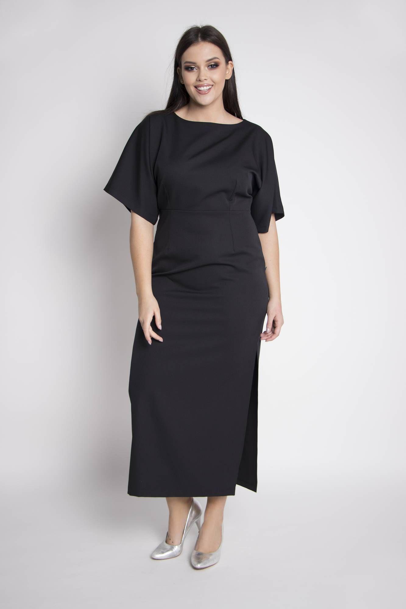 fc3257f8145e6b Sukienka NATALIA w minimalistycznym stylu to ciekawa alternatywa dla  jaskrawych i pełnych przepychu trendów. Model
