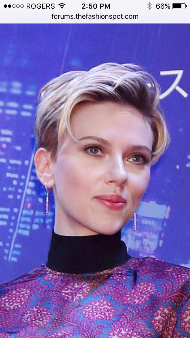 2019 year lifestyle- Johansson scarlett rocks refined undercut romantic makeup