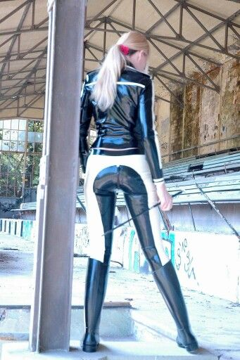 Lederlady | sexy | Latex girls, Equestrian outfits und ...