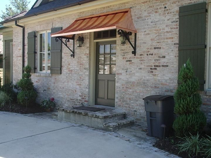 What A Fantastic Design For Limited Space This Side Entry Has Limited Space Due To The Driveway By Incorporatin Front Door Awning Door Awnings Porch Awning