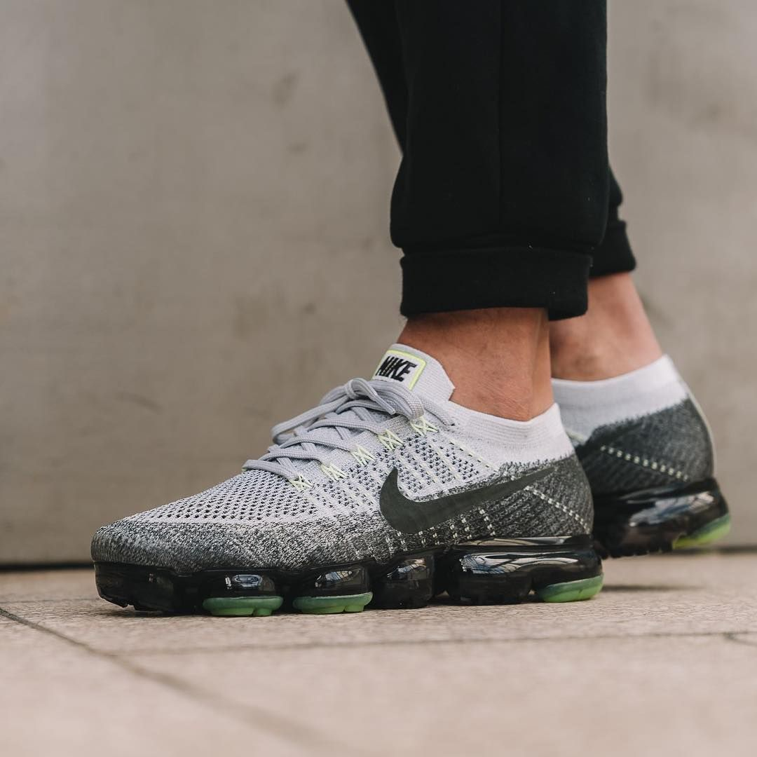 various colors 63eb0 0be0d Nike Air VaporMax 95 OG Pure Platinum   Anthracite Credit   Overkill