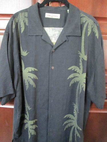 Tommy Bahama tropical casual camp shirt - Size XL