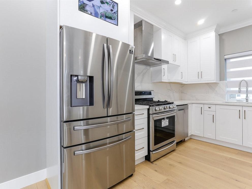 4189 Miller Street, Vancouver, BC, Duplex For Sale REW