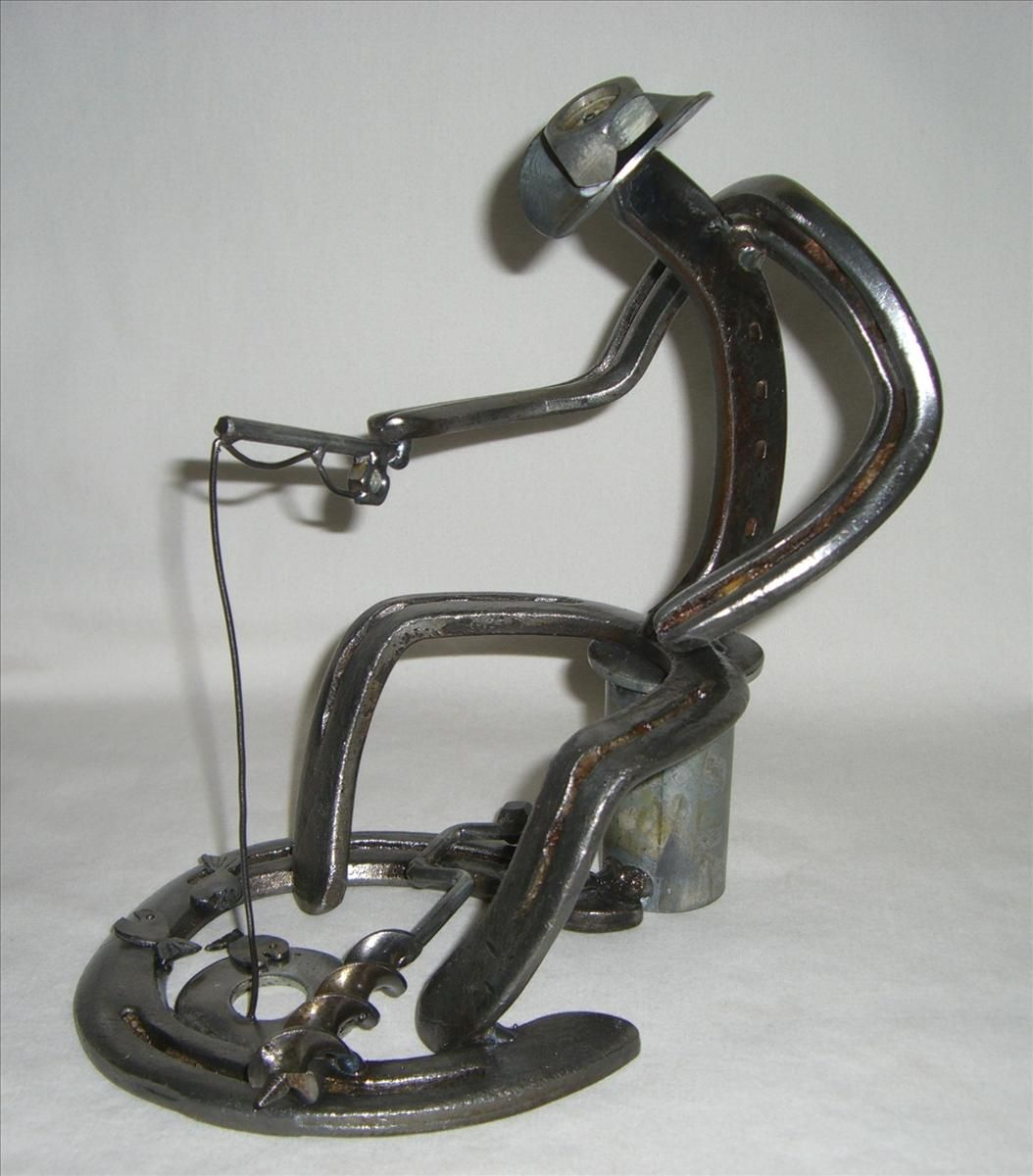San tan metal art photo gallery horse shoe art for Shoe sculpture ideas