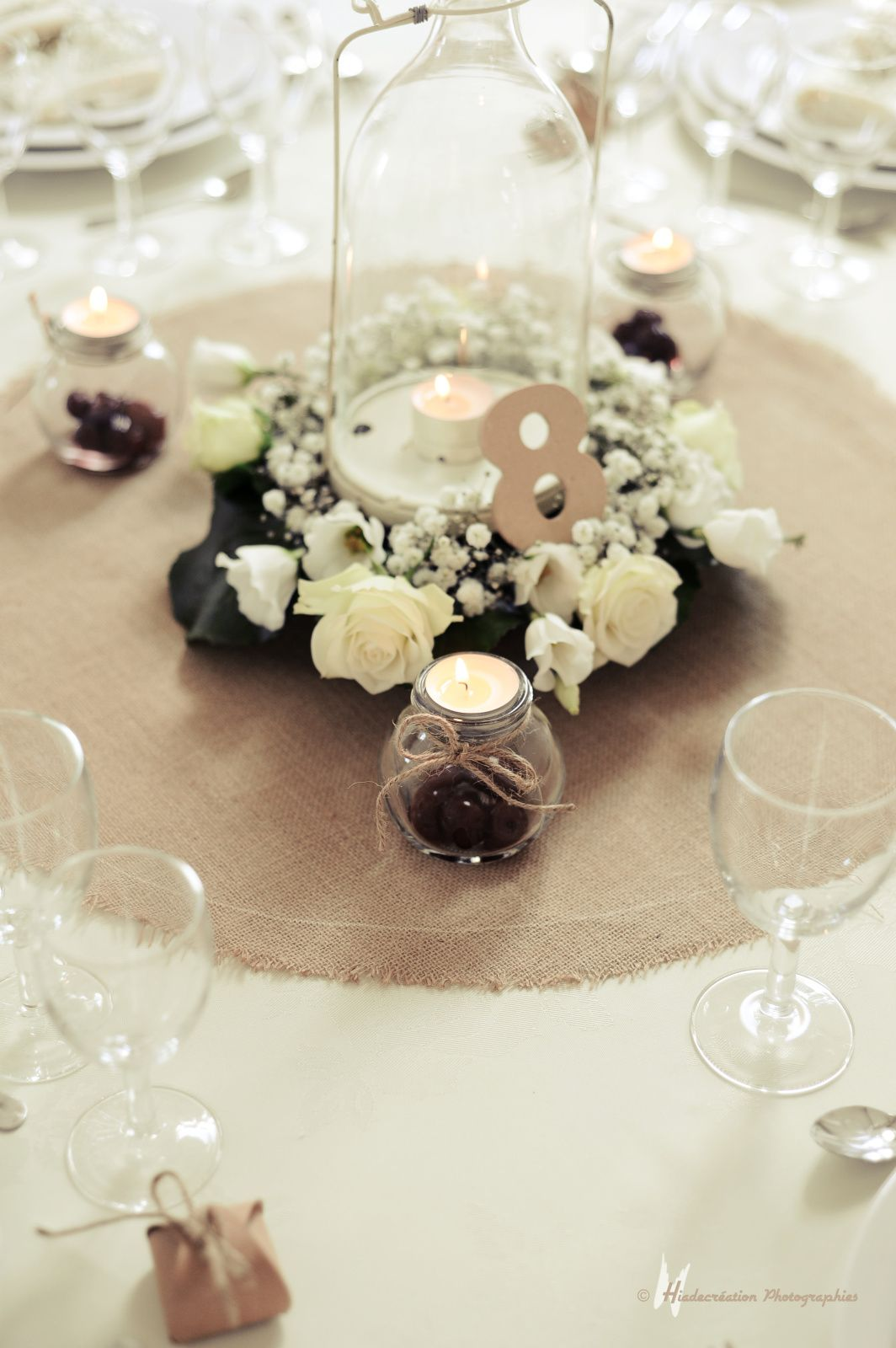 la d coration d une table ronde par cyane event design ainsi que le plan de table mariage deco. Black Bedroom Furniture Sets. Home Design Ideas