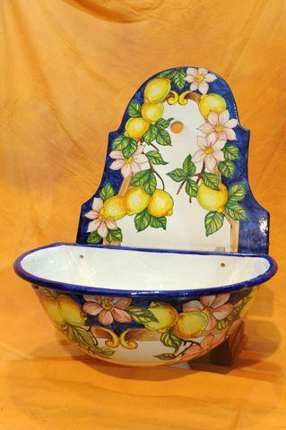 Trova ceramica vietri lampada in vendita tra una vasta selezione di su ebay. Ceramiche Dipinte A Mano Costiera Amalfitana Terracotta Vasi Orci Piatti Portaombrelli Servizio P Ceramica Dipinta A Mano Ceramiche Decorative Ceramica Dipinta