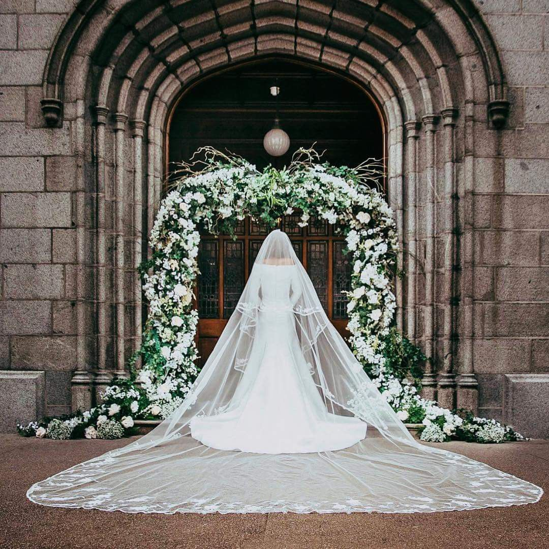 Meghan Markle Wedding Dress Back.May 19 2018 The Back View Of Meghan Markle S Royal Wedding Gown