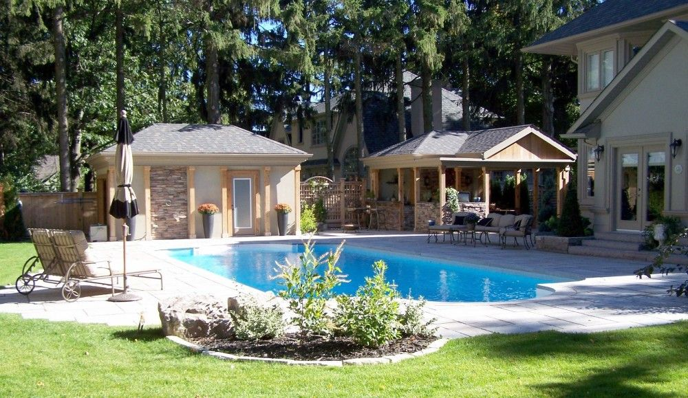 Cabanaoutdoorkitchenandpool E1401372705639 10 Must Have Items That Luxury  Home Buyers Want Most