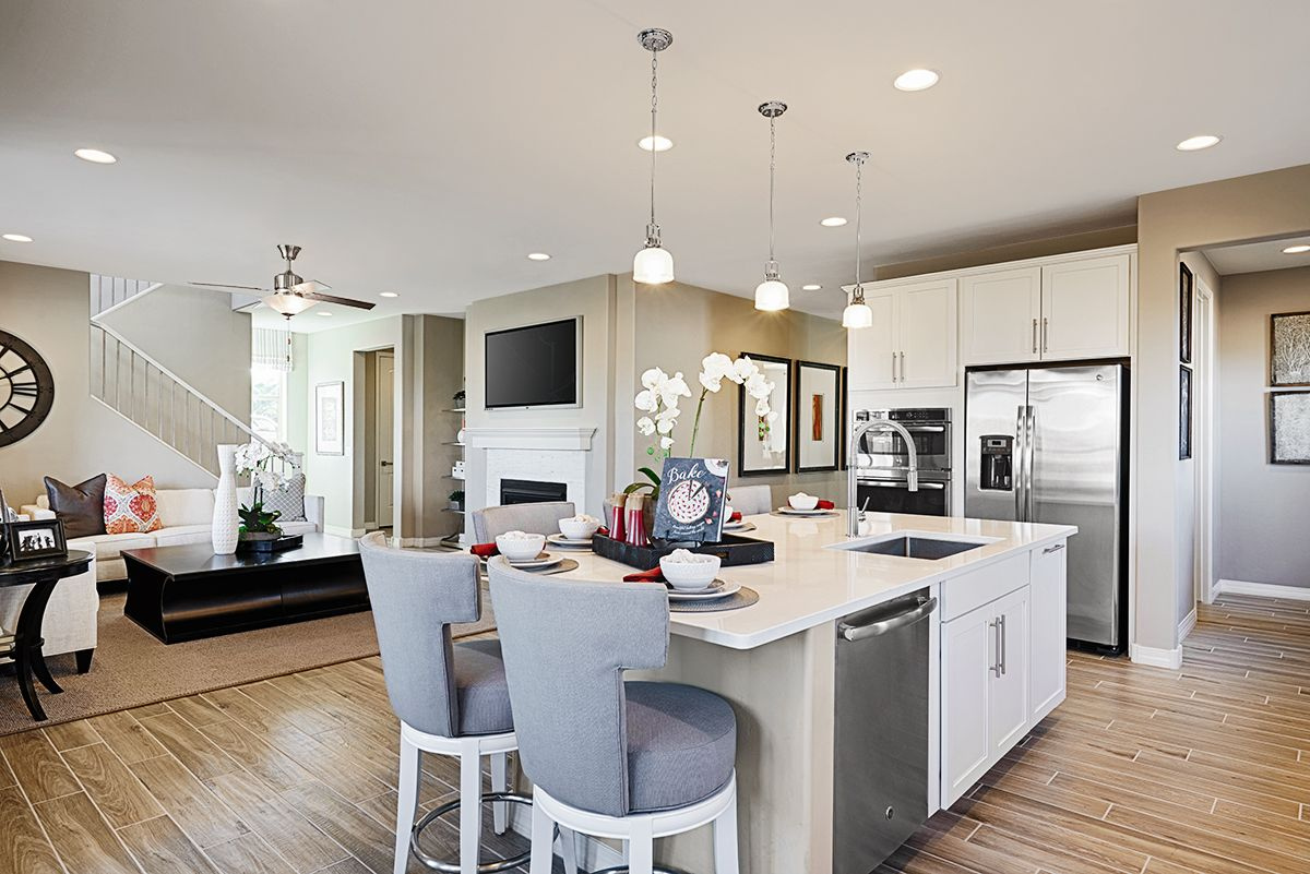 Convenient And Attractive Eat In Island Hopewell Model Home