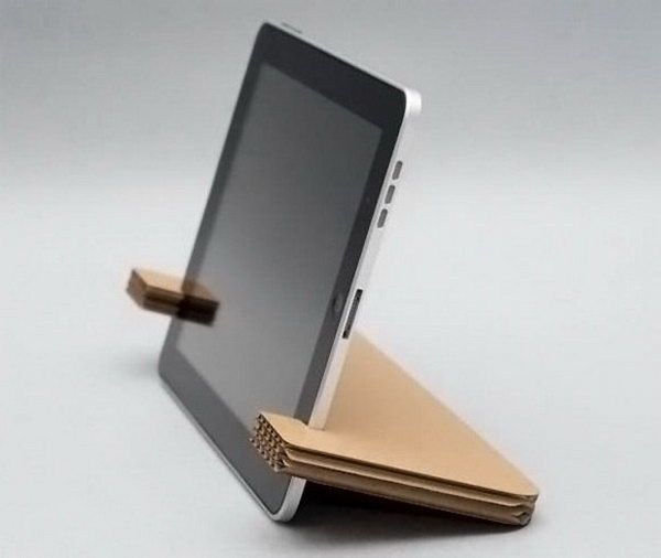 diy cardboard ipad stand we have so many cardboard boxes everything we buy tablet halterung