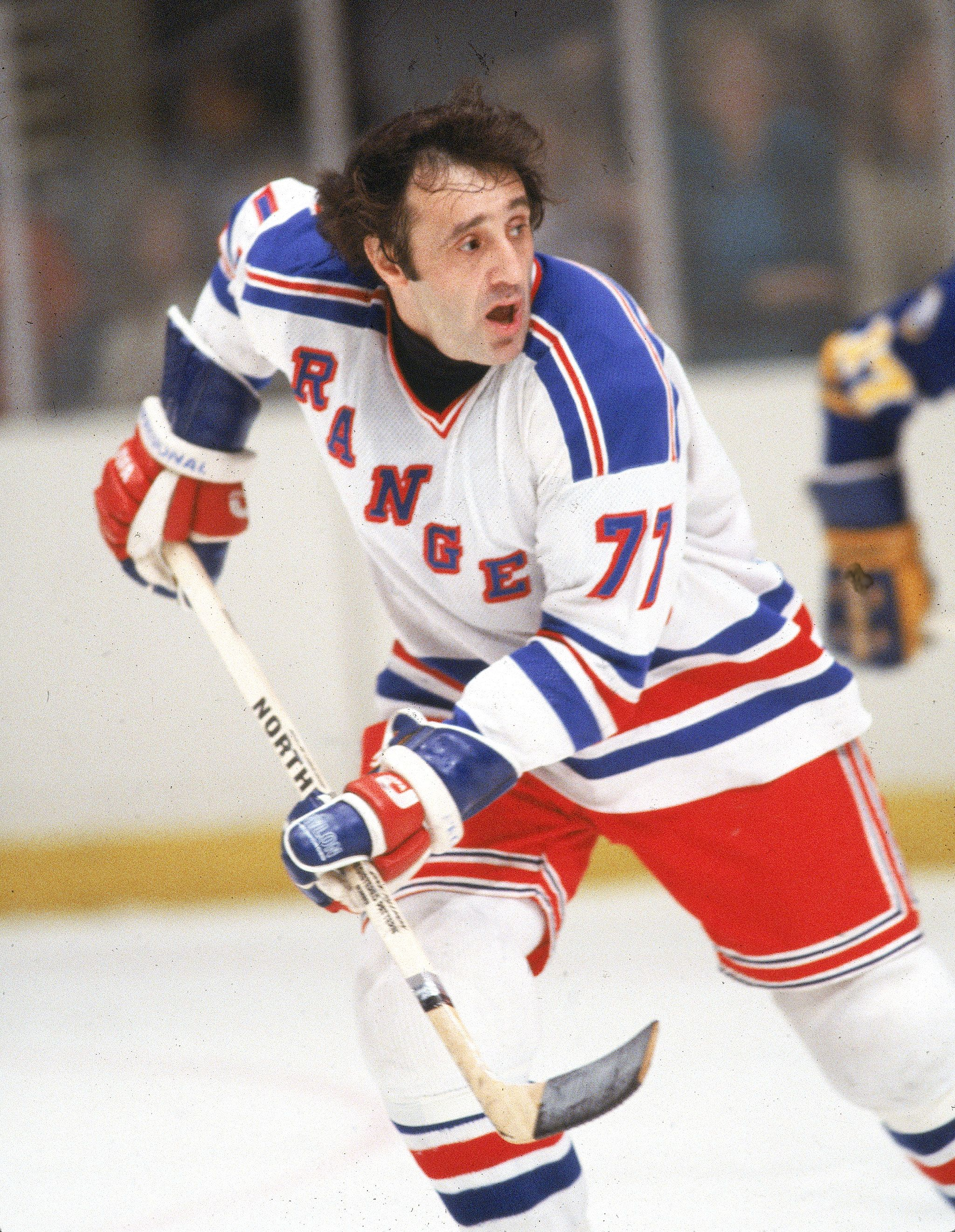 Phil Esposito S Last Game Was With The Ny Rangers A Long Way From