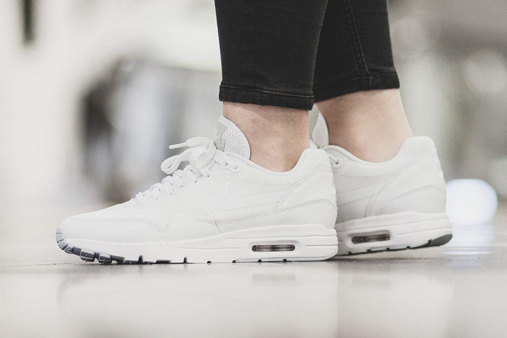 size 40 e4cf1 00bfb Nike Drops a Super Sleek Air Max 1 Ultra Essential