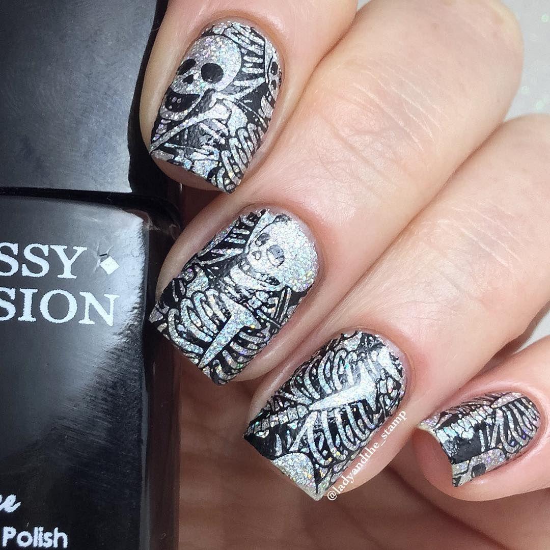 Sparkly Skeleton Nails