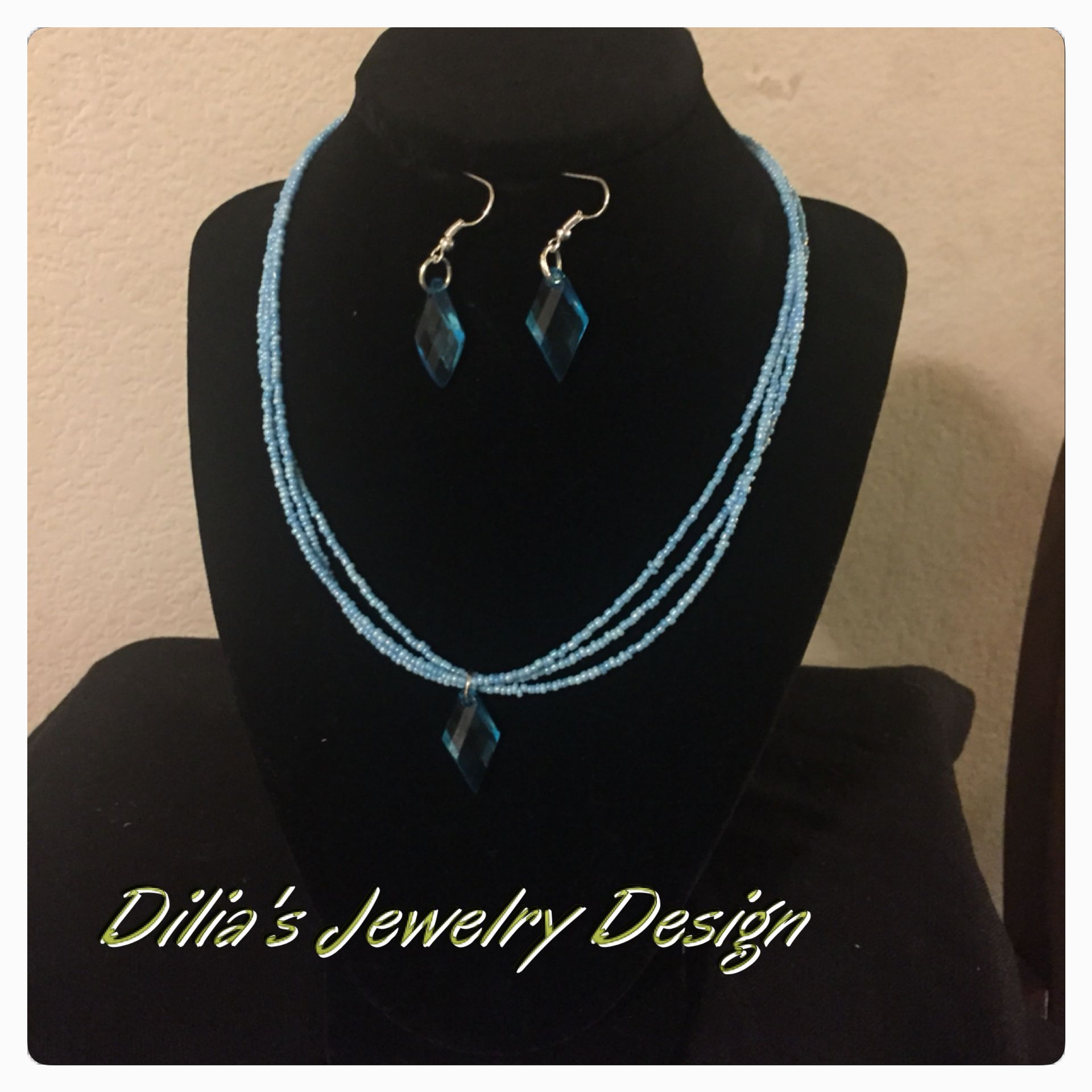 Set necklace and earrings in seedbeads turquoise fallow me on